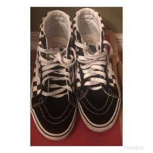 PRE -LOVED ❤️ GOOD CONDITION (UNISEX) VANS SHOES